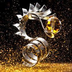 Dragon : Ring, Silver&Swarovski Elements. OSTROWSKI-DESIGN 2010. fot.Mikołaj Kwawczunas.