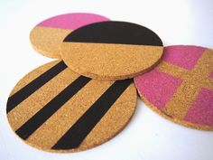 DIY lasinaluset // DIY coasters http://pientakivaa.blogspot.fi/2014/12/diy-lasinaluset.html