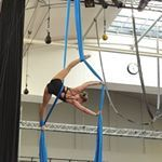 """400 Me gusta, 7 comentarios - Vive Natri (@vivenatri) en Instagram: """"finally got this 😁 #aerialtissu #aerialsilks #aerialacrobatics #ilmaakrobatia"""""""