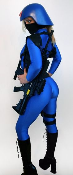 Cobra! Love it! The only thing that would make this better is if she was done up as The Baroness.