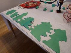 Michelle Gibbs' Cookie Exchange Tear a Tree game