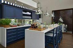 Cozinha azul marinho