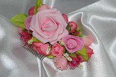 Svadobný kvetinový hrebienok