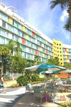 Review & Guide: Universal Orlando Cabana Bay Beach Resort - ThemeParkHipster Best Disney Hotels, 1960s Inspired, Orlando Resorts, Universal Orlando, Beach Resorts, Cabana, 1930s, Vacation, Vacations