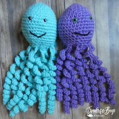 Crochet Octopus Toy - Traversebaycrochet.com Cute Crochet, Crochet Yarn, Crochet Toys, Amigurumi Patterns, Crochet Patterns, Really Cute Babies, Crochet Octopus, Cute Baby Gifts, Yarn Sizes