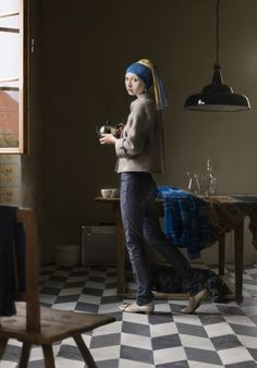 One of her digital painting projects takes classic Renaissance paintings (such as Girl with a Pearl Earring by Johannes Vermeer) and transfers them into modern situations. Contemporary Artists, Contemporary Style, Modern Art, Modern Classic, Contemporary Photographs, Contemporary Clothing, Post Modern, Classic Portraits, Classic Paintings