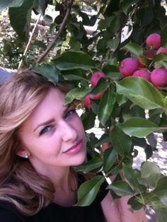 """Regardez cette jolie jeune femme d'une beauté incroyable,qui s'appelle Anna. """"J'ai fait mon profil sur le site UkReine parce que je veux trouver un homme qui est a la recherche d'une femme ukrainienne. Je suis calme, douce, attentionée. Mon but principal c'est trouver mon ame soeur et fonder la famille forte."""" Apprendre plus sur le site Ukreine.com http://www.ukreine.com/girls/1331/ #bellefemme#ukrainienne#kharkov#agenceukreine#mariage#rencontre"""