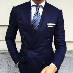 Love the necktie!