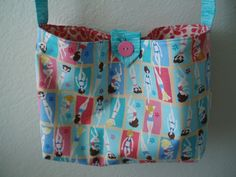 Beach bag made with retro bathing beauties. Made by blackbearbags on facebook, summer collection