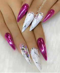 Marble stiletto nail designs are the design I want to introduce to you today. Marble nail art designs have been very popular in recent years. Stiletto shape is also one of the most popular nail shapes. If you try to combine the marble nails with th Great Nails, Fabulous Nails, Gorgeous Nails, Fancy Nails, Bling Nails, Trendy Nails, Hot Nails, Hair And Nails, Crome Nails