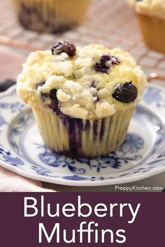 These delicious blueberry muffins from Preppy Kitchen have a healthy hint of lemon and an easy crumble topping. Theyre moist tender and packed with fresh berries. Best Dessert Recipes, Desert Recipes, Easy Desserts, Sweet Recipes, Delicious Desserts, Breakfast Recipes, Best Blueberry Muffins, Blue Berry Muffins, Blueberry Cake