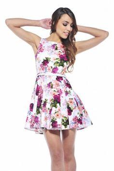 vestidos-cortos-casuales-con-flores-para-jovencitas