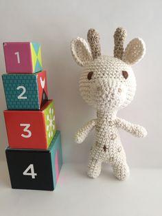 Giraffe rattle, amigurumi baby rattle, crochet rattle,baby deco, giraffe toy, Nursery deco,baby rattle by Sanaya321 on Etsy