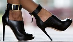 GUESS-Shilvy-Platform-Heels