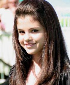 Saleena Gomez Hairstyles 09
