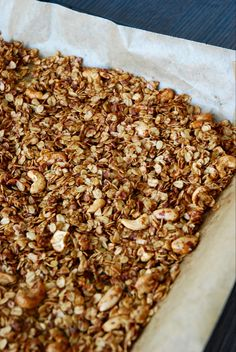 Vegan meals 425801339760069005 - Granola à tomber par terre – The Mona Project Source by claradventurer Mexican Breakfast Recipes, Brunch Recipes, Snack Recipes, Dessert Recipes, Healthy Recipes, Keto Snacks, Kfc, Vegan Granola, Granola Bars