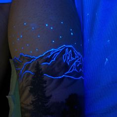 Great Glow In The Dark Tattoo Designs, Make Your Happy Tattoos - We Otomotive Info Uv Tattoo, Uv Ink Tattoos, Glow Tattoo, Body Art Tattoos, Sleeve Tattoos, Mini Tattoos, Finger Tattoos, Tatoos, Samoan Tattoo
