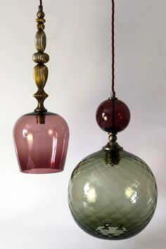 Pop and standing pendant lights in eel and aubergine glass with antique brass metalwork Interior Lighting, Home Lighting, Chandelier Lighting, Lighting Design, Task Lighting, Chandeliers, Blown Glass Pendant Light, Glass Pendants, Pendant Lamp