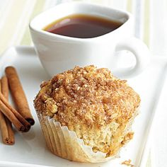 Gluten Free Cinnamon-Raisin Muffins with Streusel Topping #glutenfree