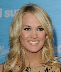 Carrie Underwood hair and makeup