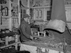 Un forgeron au travail / Paul Carpentier . - 1948