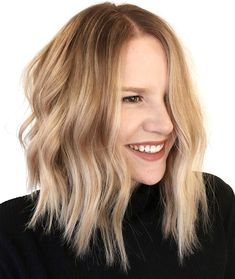 Ready to finally try trendy blonde highlights Here are 50 amazing options thatll help you see if the blonde life will work for you or not Blonde Highlights With Lowlights, Hair Highlights, Long Brown Hair, Light Brown Hair, Bronde Hair, Honey Blonde Hair, Bright Blonde, Cool Hair Color, Hair Colors