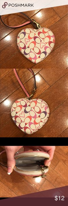 Coach coin purse Heart shaped coin purse. Has key ring inside. Only carried a few months. Matching wallet also in my closet!!! 🌟 bundle and save🌟 Coach Bags