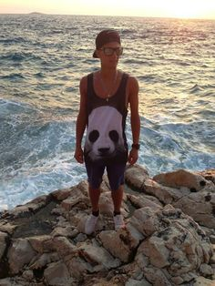 Maciej Kot Polish ski jumper - took our panda tank top on holidays      www.mrgugu.com  #mrgugumissgo #mrguguandmissgo #mrgugu #fashion # #trendy #holidays #gugustyle #tanktop #panda