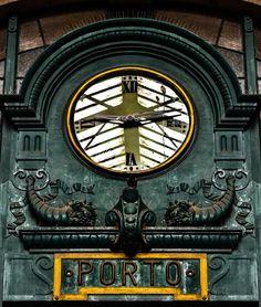 Reloj de Cuco o más bien de Paloma  #vscocam #vsco #Porto #Portugal #visitportugal