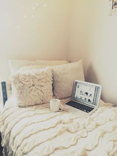 cozy and cute dorm room