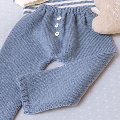Modelo tricot Moby Dick Pantalón niño Pullover, Knitting, Stitches, Sweaters, Kids, Fashion, Templates, Kids Pants, Knitted Baby