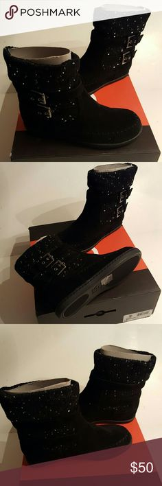 Guess Riesling Black size 7M Black Guess Riesling boots, new in box Guess Shoes Ankle Boots & Booties
