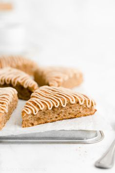 An easy from-scratch recipe for the BEST EVER cinnamon scones! Really moist, even with NO eggs, heavy cream, refined flour or sugar! 132 calories each! Greek Yogurt Breakfast, Breakfast Scones, Oatmeal Breakfast Cookies, Oatmeal Muffins, Healthy Scones, Healthy Cornbread, Cornbread Muffins, Raisin Scones, Best Nutrition Food