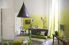 Kleurverloop op muur, of trap   Meerdere voorbeelden. Blauwe ook cool.