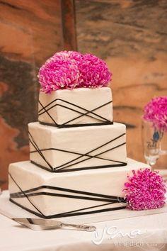 Chic Modern Wedding Cake Ideas   Bride's Blog http://www.silverlandjewelry.com/blog/?p=8115