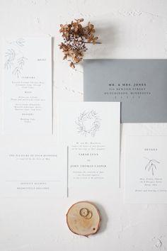 Delicate and simple fine art wedding invitations #thehandlettershop #weddinginvitations #fineartweddings