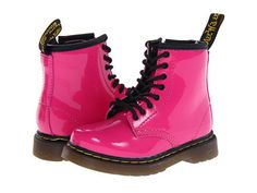 Dr. Martens: Kids Brooklee Leather Boot Toddler/Little Kid (Hot Pink Patent Lamper) e Brooklee by Dr. Martens is an adorable pint size reproductions of the 1460 8-eye popular boot. The Brooklee offers a sturdy, yet flexible sole combined with soft and durable leather for all day comfort and support. The 1460 boot style has a side zip, as well as laces, to help get them on and off little feet quickly and easily.