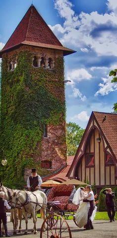 USA's Top 10 Castles for a Fairytale Wedding - Saint Clements Castle - Portland, Connecticut