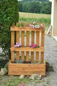 """Résultat de recherche d'images pour """"décorations de jardin en bois"""""""
