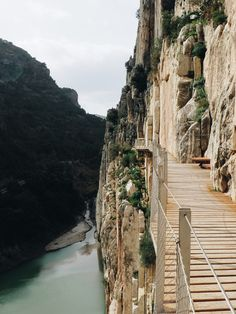 A great start to El Caminito del Rey - Malaga, Spain. Places To Travel, Places To See, Malaga Spain, Spain Holidays, Spain And Portugal, Algarve, Spain Travel, National Parks, Beautiful Places