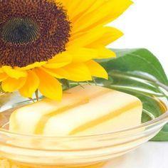 Seife mit Sonnenblumenöl selber machen #Rezept #diy #Kosmetik