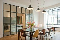 separare-la-cucina-dalla-zona-giorno-con-una-vetrata-377900.jpg (900×599)