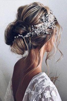 Long Wedding Hairstyles and Updos #weddings #hairstyles #bride #bridal #wedding #fashion #weddinghairstyles Trendy Wedding, Boho Wedding Hair Half Up, Bridal Hair Vine, Wedding Hair Pieces, Wedding Headband, Bridal Updo, Elegant Wedding Hair, Wedding Updo, Wedding Bands