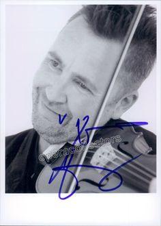 Kennedy, Nigel - Signed photo playing violin