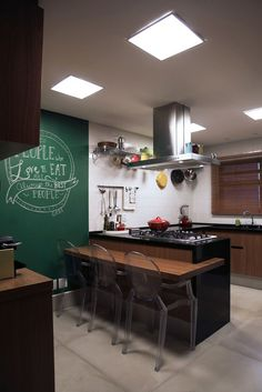 Atenção em cada detalhe. Veja: https://casadevalentina.com.br/projetos/detalhes/alcancado-o-desejo-dos-moradores-477 #decor #decoracao #interior #design #casa #home #house #idea #ideia #detalhes #details #cozy #aconchego #casadevalentina #kitchen #cozinha