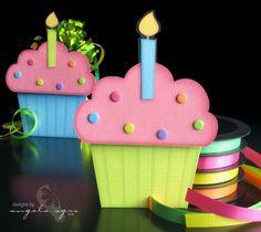 cartão de aniversárioa cupcake