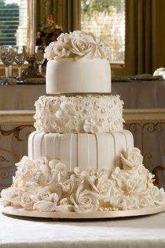 Elegant Wedding Reception | Wedding planners or professional wedding cake shops will have large ...