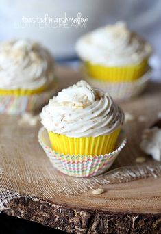 Toasted Marshmallow Buttercream Frosting - cookies and cups Icing Recipe, Frosting Recipes, Cupcake Recipes, Cupcake Cakes, Dessert Recipes, Homemade Frosting, Cupcake Ideas, Recipes Dinner, Cookie Recipes