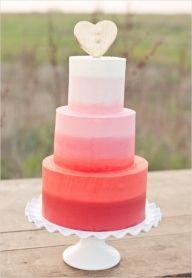 Ombre tort w odcieniach czerwieni - Torty i słodkości