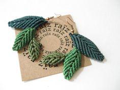 Design by raïz Macrame Earrings, Macrame Jewelry, Leaf Earrings, Crochet Earrings, Leaf Jewelry, Textile Jewelry, Boho Hippie, Collar Macrame, Micro Macramé